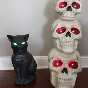 Other - Scary Cat & Skulls w/sound and light. Set of 2